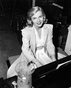 Lizabeth Scott in Stolen Face (1952) - Lizabeth Scott - Wikipedia, the free encyclopedia