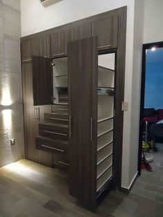 Walk In Closet Design, Wardrobe Design Bedroom, Master Bedroom Interior, Master Bedroom Closet, Wardrobe Closet, Closet Designs, Interior Design Living Room, Wardrobe Ideas, Bedroom Cupboard Designs