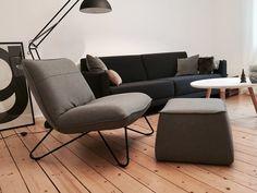 Endlich ist er da..nachdem mein Schreibtisch weichen musste, dürfte ich nun meinen neuen Sessel begrüßen! Super bequem und mein neues Lieblingsmöbelstück :relaxed: