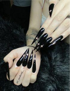 Goth Nails, Swag Nails, Long Stiletto Nails, Acylic Nails, Bling Acrylic Nails, Nails 2018, Black Nails, Nail Inspo, Acrylics