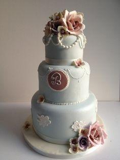 vintage look wedding cake   Three tier vintage style wedding cake   Flickr - Photo Sharing!