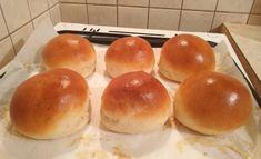 Ma végre én is megcsináltan a házi zsemlét! Aki még nem csinálta meg ne habozzon - Ketkes.com Hamburger, Tacos, Bread, Food, Buns, Brot, Essen, Baking, Burgers