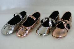 Little girls bronzed ballet slippers in pewter, bright bronze, silver and antique bronze! Have to defiantly do this for my daughter! :)