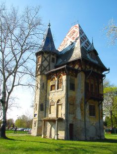 Owl Castle at Lake Palic, Vojvodina, Serbia (by arkiss).