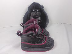 ec3ca487449b Nike Woodside 2 High Black Fireberry Red Boots shoes size 5 C Toddlers US