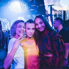 Grace Vanderwaal, Maddie Ziegler, and Millie Bobby Brown and teen choice awards Millie Bobby Brown💘❤ Mon actrice préférée Millie Bobby Brown, Maddie Ziegler, Photos Rares, Grace Vanderwaal, Cast Stranger Things, Harry Potter, Teen Choice Awards, America's Got Talent, Dance Moms