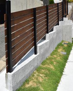 福岡市【u様邸】家事動線と使いやすい収納にこだわった、平屋感覚で暮らせるスッキリした家、完成しました! | 福岡・唐津の注文住宅 ロイヤルハウス(有)イモト Fukuoka, Sidewalk, Stairs, Home Decor, Stairway, Decoration Home, Room Decor, Side Walkway, Walkway