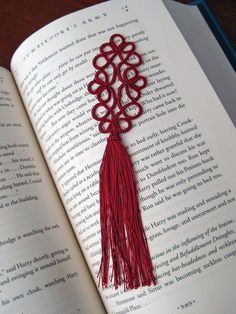 Tatted Bookmark, the pattern is at http://www.kersti.com/2009/04/stumpy-tatted-bookmark-pattern/