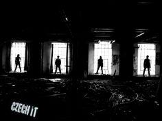"""Jsme česká pop-rocková kapela založená v Benešově u Prahy. Na hudební scéně působíme od února roku 2011. Naši hudbu bychom přiřadili k alternativnímu pop-rocku. Hrajeme pouze vlastní písničky, které jsou především v angličtině. V únoru letošního roku jsme zveřejnili náš první videoklip s názvem """"Secrets"""" a v tuto chvíli dokončujeme nahrávání našeho prvního dlouho očekávaného CDčka."""