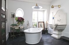 Bathroom, via D.Mesure.