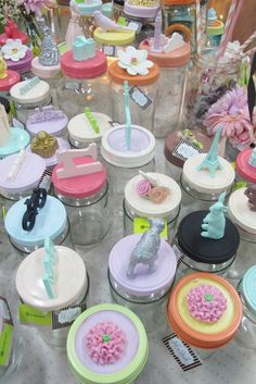 bottles My Favorite Color, My Favorite Things, Trash To Treasure, Door Hangers, Pastels, Tapas, Christmas Crafts, Jar, Cool Stuff