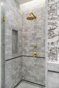 Finished in unlacquered brass, Drummonds' fittings are beautifully contrasted against the marble subway tiles and handpainted chinoiserie wallpaper in this maximalist bathroom designed by @barlowandbarlow Photography: @jonathanbondphotography Notting Hill Apartments, Dream Home Design, House Design, Arabescato Marble, Marble Subway Tiles, Shower Rose, Guest Bathrooms, Shower Bathroom, Bathroom Inspo