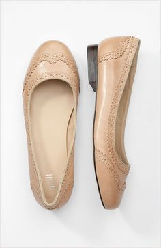 camel oxford flats - my wardrobe sorely needs these exact shoes.