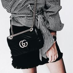 Besides your outfit, your choice of a Gucci Black Purse is always a a nice accent and will complete the stylish look. Gucci Purses, Gucci Handbags, Espadrilles Outfit, Fendi, Design Bleu, Givenchy, Prada, Dior, Ethno Style