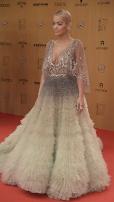 Rita Ora in Marchesa beim Bambi in Berlin