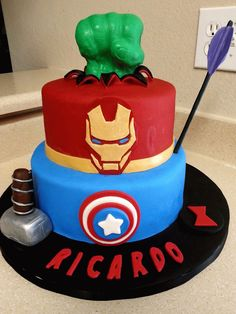 Avengers Cake!! I need this!!!!!