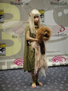 WonderCon 2011 Masquerade - Kira and Fizzgig from the Dark Crystal by Pop Culture Geek, via Flickr The Dark Crystal, Dark Crystal Movie, Amazing Cosplay, Epic Cosplay, Cosplay Ideas, Adult Costumes, Cool Costumes, Cosplay Costumes, Costume Makeup