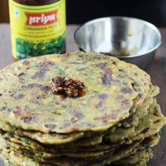 What is the difference between a thepla and . Spinach, Vegetarian Recipes, Pancakes, Indian, Cookies, Breakfast, Bread Pizza, Desserts, Food