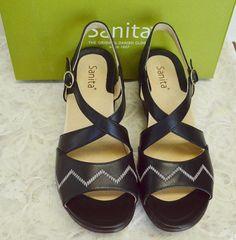 45f2b832ed5e NEW Sanita Santa Fe 10-10.5 41 Cross Strap Sandals Black White Leather  Buckles
