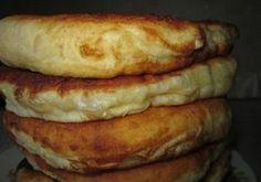 Ha ezt a receptet megismered, soha többé nem veszel kenyeret! Puha kefires lepény – gyorsan elkészíthető és finom - Ketkes.com Crepe Recipes, Dessert Recipes, Baked Hamburgers, Bread Dough Recipe, Bread Dishes, Batter Recipe, Russian Recipes, Sweet And Salty, Kefir