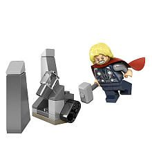 """LEGO Marvel Super Heroes Thor and Cosmic Cube (30163) - LEGO - Toys """"R"""" Us"""