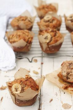 Try these beautiful banana walnut and almond muffins, perfect for a tasty weekend brekkie. Healthy Meals For Kids, Healthy Dessert Recipes, Healthy Treats, Breakfast Recipes, Snack Recipes, Healthy Food, Breakfast Ideas, Power Muffins, Almond Muffins