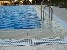 Construcción de piscinas ACUAEUROPA: NORMATIVA DE PISCINAS   Sabias que...?  Las pisci...