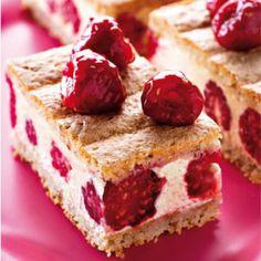Le framboisier recette filmée framboise Mini Dessert Shots, Dessert For Two, Fruit Birthday Cake, Fruit Wedding Cake, Gateau Cake, Fruit Cake Design, Beaux Desserts, Chocolate Fruit Cake, Fresh Fruit Cake