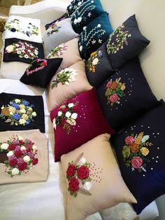 Bow Pillows, Couch Pillow Covers, Sewing Pillows, Couch Pillows, Cushions, Cushion Embroidery, Hand Embroidery Art, Flower Embroidery Designs, Bed Cover Design