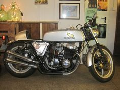 Nuestra CB 750 cafe racer Honda Cb, Cb 750 Cafe Racer, Waves