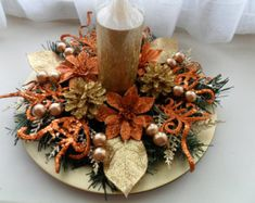 Copper & Gold Christmas Centerpiece by ChristmasCraftsShop Christmas Candle Decorations, Christmas Arrangements, Holiday Centerpieces, Candle Centerpieces, Table Decorations, Silver Christmas, Christmas Balls, Christmas Wreaths, Christmas Crafts
