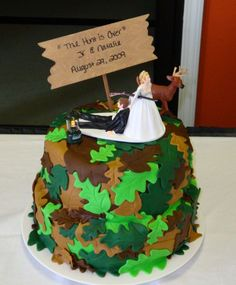 grooms cake hahahahaha be a way Jimmy could have his camo.....