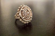 Antique vinaigrette ring/vintage vinaigrette/1800s vinaigrette/poison ring/silver vinaigrette ring.