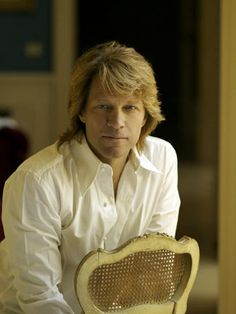 Jon Bon Jovi...only about a gagillion times hotter now than he ever was in the 80s...*swoon*