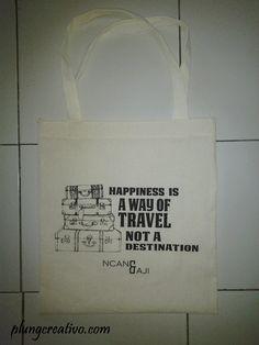 Souvenir totebag Yogyakarta berkualitas dan murah #souvenirjogja #souvenirnikahan more info: http://plungcreativo.com
