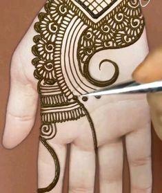 Henna Designs For Beginners, Simple Mehndi Designs Fingers, Latest Finger Mehndi Designs, Very Simple Mehndi Designs, Simple Henna Patterns, Hena Designs, Henna Tattoo Designs Simple, Full Hand Mehndi Designs, Stylish Mehndi Designs