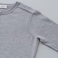 クリックすると新しいウィンドウで開きます Spirit Wear, Polo T Shirts, Cycling Outfit, Lace Knitting, Sport T Shirt, Cardigans For Women, Fashion Prints, Mens Tees, Blouse Designs