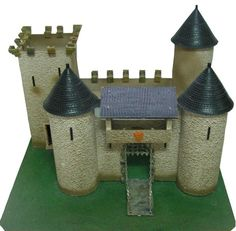 CHATEAU FORT Chateau Fort Jouet, Toy Castle, 1960s Toys, Château Fort, Childhood Toys, Garages, Regrets, Castles, Medieval
