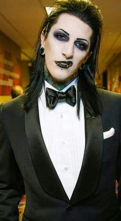 Chris Motionless <3 My heart just exploded...