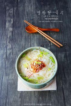 Breakfast Soup, Kim Young, Food Menu Design, Light Recipes, Korean Food, Food Presentation, Japanese Food, Food Styling, Food Inspiration