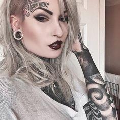 Dude I have her exact same eye brows! Body Art Tattoos, Girl Tattoos, Tattoo Girls, Silver Hair Dye, Ink Model, Tattoo Addiction, Goth Model, Long Hair With Bangs, Pastel Hair
