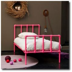 DIY Kids Beds with Pipe - Learn more about DIY Industrial Pipe Furniture Projects at http://wiselygreen.com/15-industrial-pipe-furniture-and-home-projects-for-diyers/
