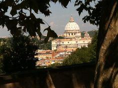 Scorcio di San Pietro visto dalla terrazza del Gianicolo