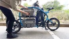Bike Discover Load up&Lets go! Velo Tricycle, Trike Bicycle, Motorcycle Bike, Velo Design, Bicycle Design, Cool Bicycles, Cool Bikes, E Quad, Auto Gif