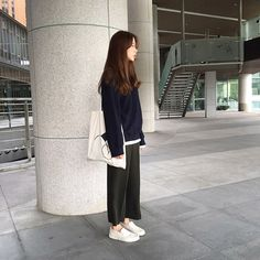 Korean Fashion Trends, Korean Street Fashion, Korea Fashion, Asian Fashion, Look Fashion, Girl Fashion, Ulzzang Fashion, Hijab Fashion, Fashion Outfits