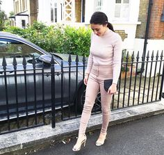 Street Style Blog, Red Carpet Event, Pink Sweater, Latest Fashion Clothes, Catwalk, Asos, Khaki Pants, Runway, Sweaters