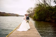 A stunning couple in a breathtaking place. ::Ashley + Daniel's striking fall…