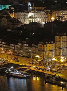 Porto: City Guide of Must See Spot Portugal Destinations, Beautiful Places To Visit, Beautiful Beaches, Porto City, Portuguese Culture, Cities, Visit Portugal, Douro, Travel Memories