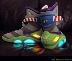 Nike Air Mag Toy Story Buzz Light Year Custom Sneaker (Detail Images) these are dope Basket Sneakers, Shoes Sneakers, Kicks Shoes, Custom Sneakers, Custom Shoes, Estilo Geek, Nike Air Mag, Toy Story Buzz, Baskets