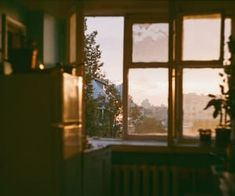 groß - Makaron - New Ideas Aesthetic Photo, Aesthetic Pictures, Aesthetic Vintage, Bonheur Simple, Jolie Photo, Film Photography, Window Photography, Scenery, Cottage